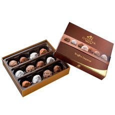 We gathered a lovely after dinner collection in a gift box of 12 pieces, with a selection