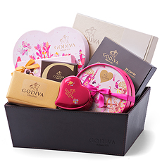 Spoil your sweetheart with a lavish Godiva chocolate gift hamper offering an impressive collection of Godiva chocolates, signature favorites, Carrés, and much, much more!