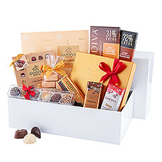 This white, luxurious gift box from Godiva is ideal for those who love black chocolate as well as milk chocolate