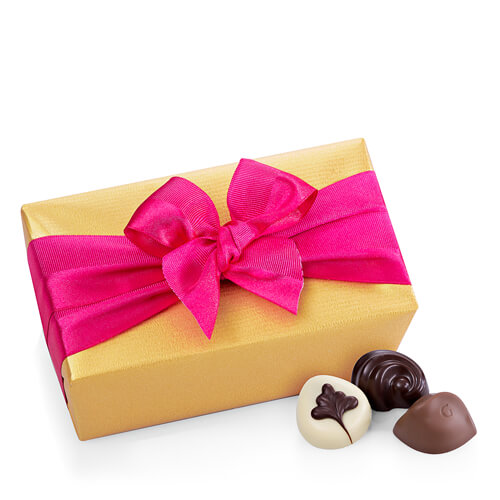 Godiva Gold Ballotin with Fuchsia Ribbon, 500 g