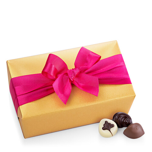 Godiva Gold Ballotin with Fuchsia Ribbon, 1 kg